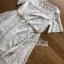 เดรสผ้าลูกไม้สีขาวบริสุทธิ์พร้อมเข็มขัดเชือก thumbnail 4
