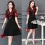 ชุดเดรสสีดำพื้น แต่งผ้าชีฟองสีแดงช่วงแขนและคอ thumbnail 1
