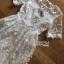 เดรสผ้าลูกไม้สีขาวทอลายดอกไม้ thumbnail 8
