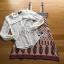 เซ็ตเสื้อลูกไม้สีขาวสไตล์เฟมินีนและเดรสสายหนาผ้าวิสโคสพิมพ์ลาย thumbnail 4