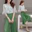เซท เสื้อ+กางเกงกระโปรง เสื้อเป็นผ้าชีฟองสีเขียวอ่อนพิมพ์ลายดอกไม้ thumbnail 1