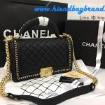 CHANEL Black Quilted Calfskin Medium Boy Bag with Handle สีดำโซ่ทองค่ะ 9.8 นิ้ว
